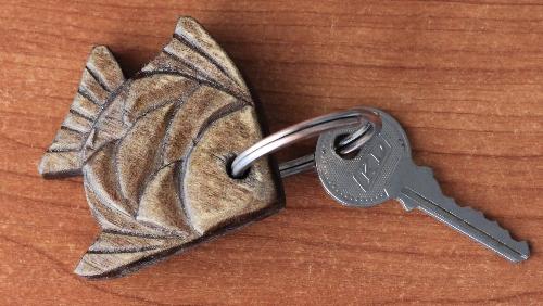 рыбка брелок на ключи